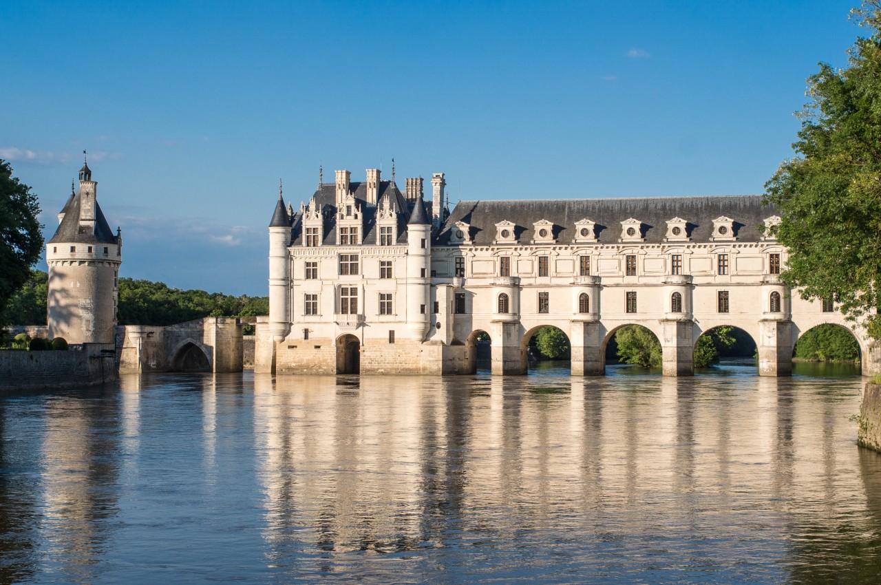 Chenonceaux-Chateau-Loire-France.jpg