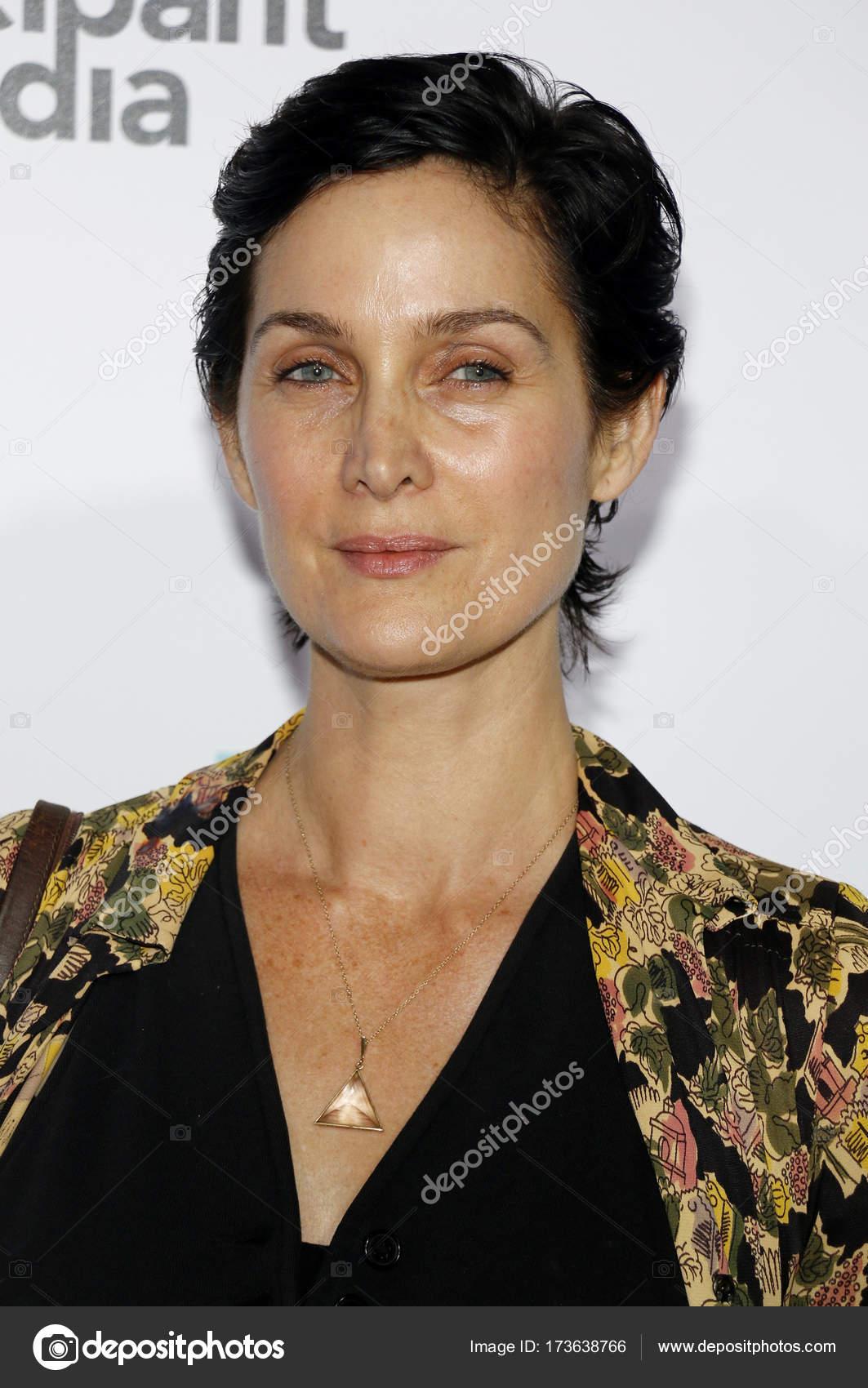 depositphotos_173638766-stock-photo-actress-carrie-anne-moss.jpg
