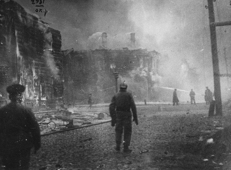 Москва после боев ноябрь 1917.jpg