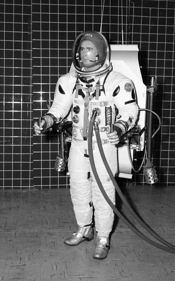 space_suit.jpg